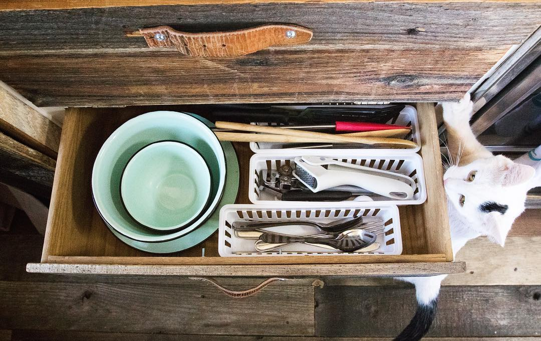 Organizing your RV kitchen drawers will make your kitchen so much easier to use.