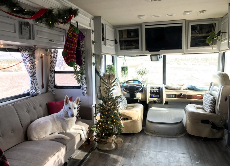 Decorating your RV for Christmas can be so fun and festive.
