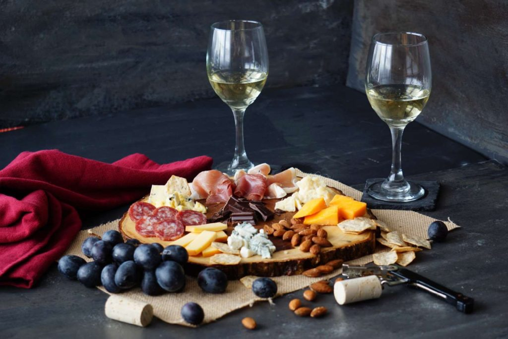 In addition to wine tastings, they also offer charcuterie and ice cream with wine chocolate sauce.