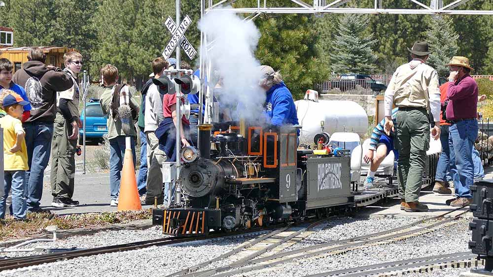 Train Mountain offers awesome educational tours on a weekly basis.