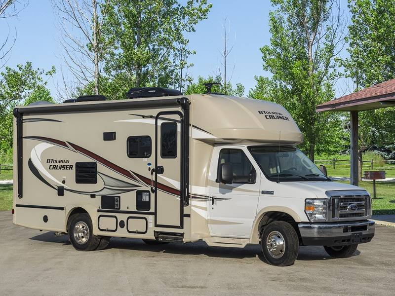 Class C motorhomes are great for RV purchase.