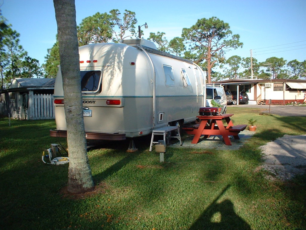 Palm Beach RV Park is an excellent choice for those wanting to stay monthly in this beautiful Florida beach town.
