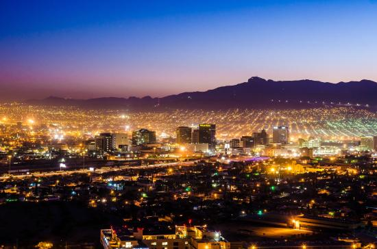a nighttime view of the lights of the city of el paso