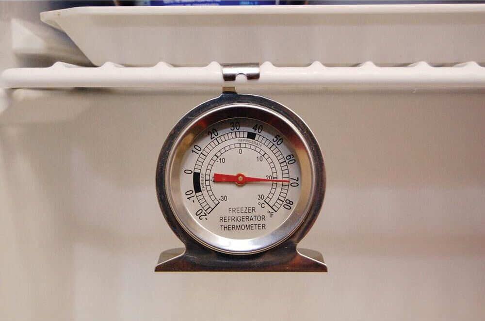 Thermometer packs in your fridge can help to ensure your fridge is running at maximum efficiency.