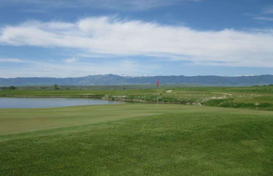 Hidden Bridge Golf Club is an awesome Harvest Hosts location in Northern Wyoming.