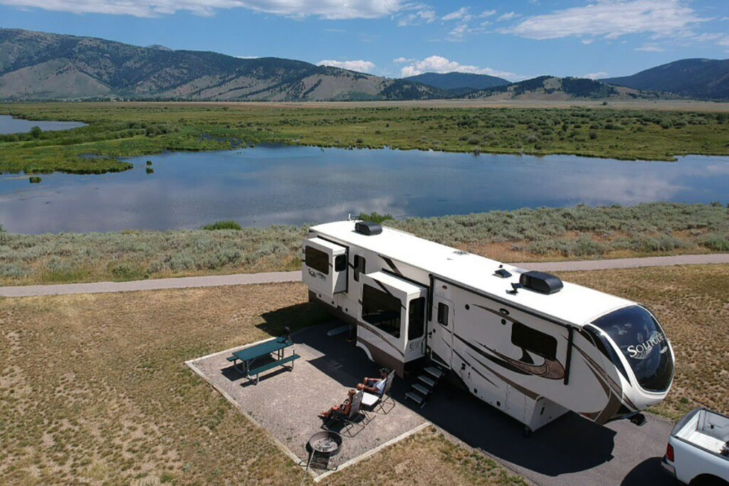Visiting a state park is one of the best ways to have fun while traveling in an RV.