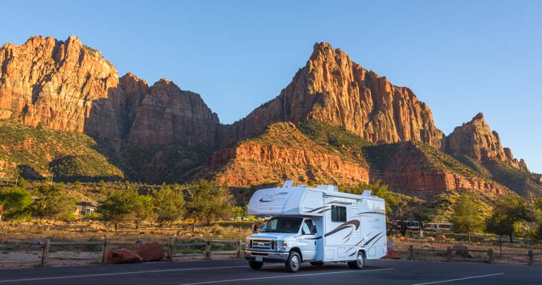 Visiting a national park is one of the best ways to have fun while traveling in an RV.