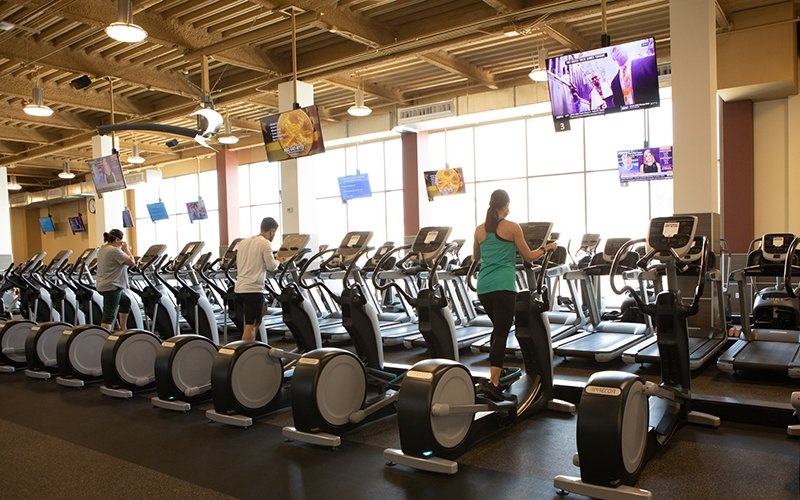 24 Hour Fitness is an awesome gym for maintaining your fitness on the road.